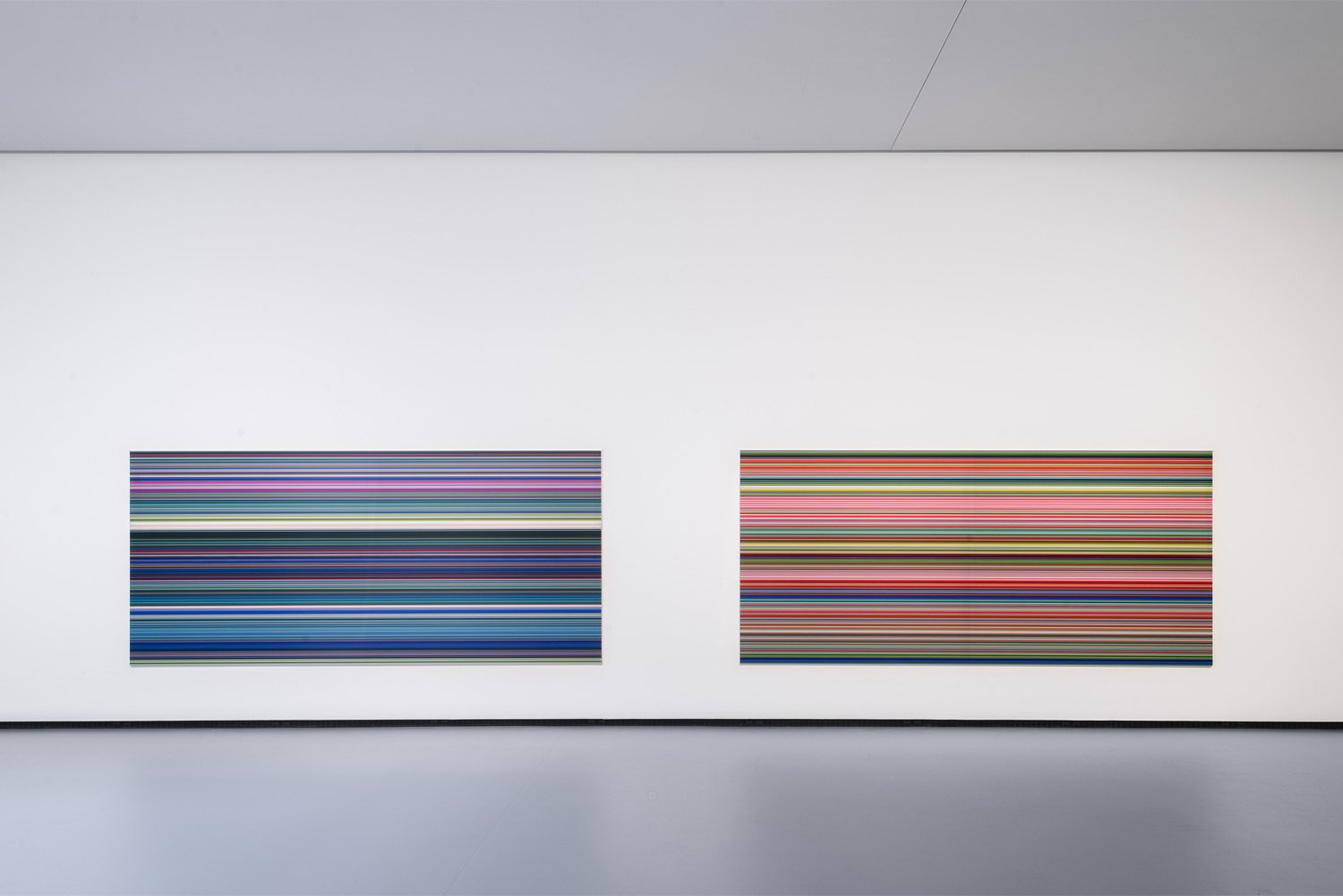 Gerhard-Richter—Strip-(921-5)-puis-Strip-(921-2)-©-Fondation-Louis-Vuitton-Martin-Argyroglo